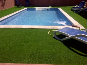 cesped_artificial_40mm_piscina_madrid